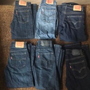 6 pairs of Levi's size 6